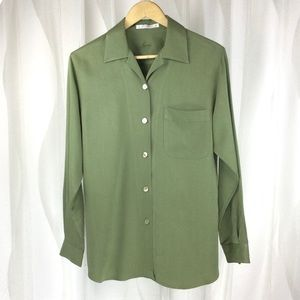 FoxCroft Shirt 6/M Olive Green Shell Buttons